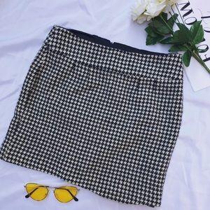 Banana Republic Houndstooth Wool Blend Skirt